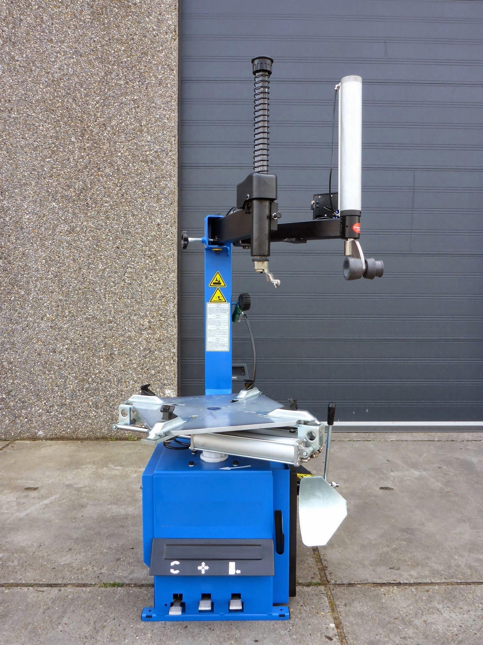 Banden Machine Met Hulparm on Weinig Parts